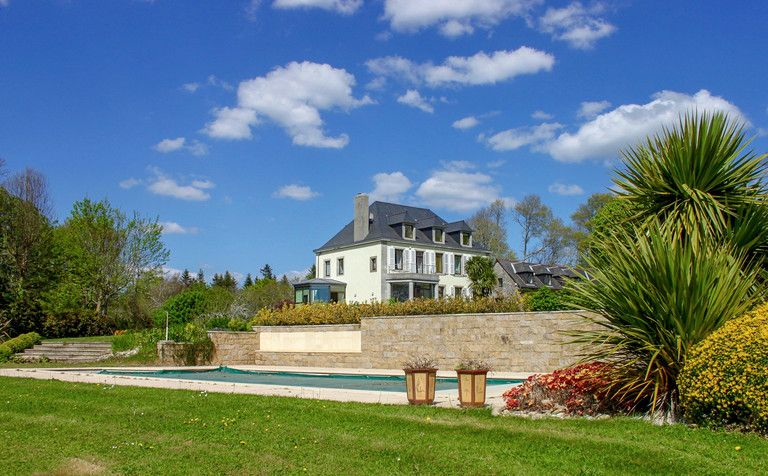 Concarneau, property with seaview.