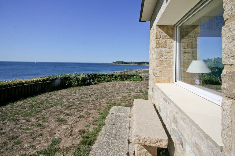 Arzon. Apartment with seaview.